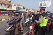 Iring-iringan Pemudik Motor Mulai Padati Jalur Pantura Cirebon