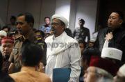 Momen Haru Ketua Panitia Maulid Nabi di Petamburan Sungkem ke Habib Rizieq