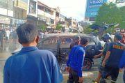 Mobil Bermuatan Jeriken BBM Terbakar di Area SPBU Sengkang