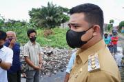 Bobby Janji Tumpukan Sampah yang Bertahun-tahun di Medan Polonia Dibersihkan dalam 2 Hari