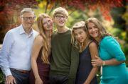 Resmi Cerai, Begini Pola Asuh Bill Gates dan Melinda pada Ketiga Anaknya