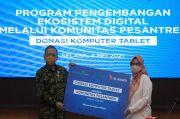 Kembangkan Desa Digital, XL Axiata Bagikan Laptop ke Pesantren