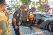 Naik Lamborghini, Jantung Wali Kota Surabaya Mau Copot dan Tegang