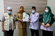 Suhartina Bohari Serahkan Zakat Rp250 Juta ke Baznas Maros