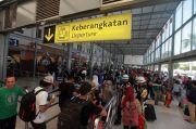 Hari ini 10.055 Penumpang Kereta Api Diberangkatkan dari Stasiun Pasar Senen