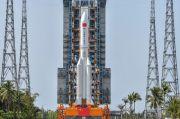China Remehkan Roket 21 Ton-nya yang Jatuh Tak Terkendali Akan Picu Kerusakan di Bumi