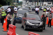 Bakal Masuk Bandung, Ratusan Kendaraan Diputar Balik di Pintu Tol