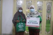 NU Care dan Alfamart Bagikan Paket Peralatan Ibadah untuk Santri, Guru Ngaji serta Duafa