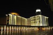 Diterangi 3.375 Led Signify, Masjid Istiqlal Makin Indah Jelang Idul Fitri