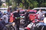 Ramadhan, BPM Kalbar Bagikan 4.000 Takjil untuk Pengendara Motor