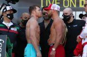 Canelo di Bawah Kutukan Gipsi, Tyson Fury: Saunders Kejutkan Dunia