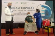 Dukung Percepatan Program Vaksinasi, Ratusan Karyawan PT Pusri Divaksin