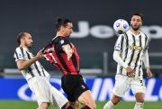 Cedera Saat Milan Gasak Juventus, Ibrahimovic Terancam Batal Ramaikan Piala Eropa