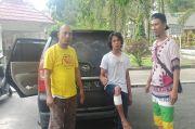 Enggak Ada Akhlak, Pencuri Mobil Ini Malah Acungkan Jempol saat Difoto