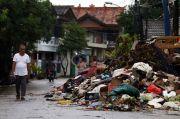 Puluhan Warga Pondok Aren Tertangkap Buang Sampah di Perbatasan Ciledug