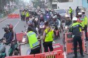 Polisi Tutup Total Jalan Pantura Weru Cirebon, Ribuan Pemudik yang Diputar Balik Cari Jalur Tikus