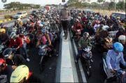 Tak Berkutik, Ribuan Kendaraan Pemudik Blitar Dipaksa Putar Balik