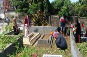 Hari Pertama Lebaran di Manado, Warga Gelar Tradisi Ziarah Kubur