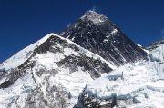 Kelelahan, Dua Pendaki Meninggal Saat Menuruni Gunung Everest