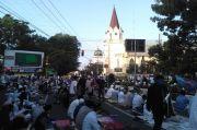 Bawa Thermogun, Jemaat Gereja Datangi Jamaah Salat Idul Fitri di Alun-alun Purwokerto