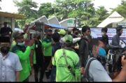 Peziarah Ricuh di TPU Tegal Alur, Petugas Tidak Seimbang Pagar Makam Jebol