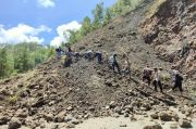 Dihantam Longsor, Jalur Nasional Penghubung Gayo Lues-Aceh Timur Putus Total