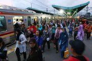 Akhir Pekan, Menhub Ramal Penumpang KRL Jabodetabek Capai 400.000
