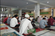 Sekitar 10 Ribu Jamaah Salat Ied di Masjid Syiarul Islam Kuningan