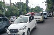 Kendaraan Sulit Bergerak, Akses Menuju Gerbang Masuk Taman Mini Macet hingga 5 Kilometer
