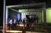 Mapolsek Dibakar Massa, Olah TKP Tim Inavis Polda Lampung Temukan Botol Isi Bahan Bakar
