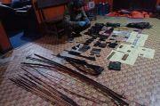 Satgas Nemangkawi Olah TKP di Mayuberi Ilaga, Puluhan Barang Bukti Disita Diantaranya Panah dan Senjata Api