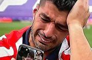 Menangis di Lapangan, Luis Suarez Ingat Istri dan Anak