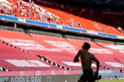 Lewandowski Patahkan Rekor Gerd Mueller Saat Bayern Lumat Augsburg