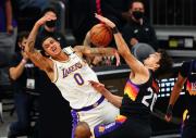 Hasil Playoff NBA 2020-2021, Suns Kalahkan Lakers di Game Pertama