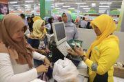 Viral Karyawan Giant Nangis Berjamaah, Netizen Sampaikan Simpati