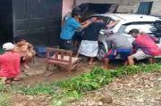 Mobil Hilang Kendali Tabrak Warung di Bone, 3 Orang Tewas