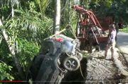 Xenia Angkut 9 Penumpang Terjun ke Jurang 30 Meter, Satu tewas