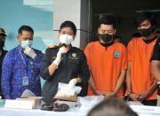Dua Penumpang Pesawat Selundupkan Sabu-sabu 1 Kg di Sandal Jepit
