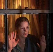 Mengenal Agorafobia yang Ada dalam Film Woman in The Window