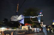 Pakai Crane, Bangkai Helikopter Robinso Berhasil Diangkat dari Danau Buperta