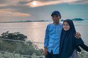 Ustadz Abdul Somad dan Istri Romantis Nikmati Senja, Netizen: Baper Jadinya