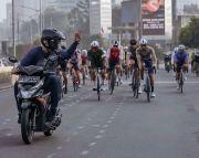 Viral Foto Motor vs Sepeda, Perhatikan 6 Etika Dasar Bersepeda di Jalan