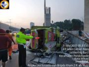 Ini Pemicu Truk Bermuatan Beras Terguling di Tol Jatibening Pondok Gede