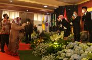 Adik Bungsu Mahfud MD Resmi Jadi Rektor Unitomo, Sang Kakak Beri Pesan Mendalam