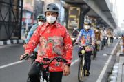 Anies Ingin Sepeda Tanpa Baju Khusus, Warganet: Terima Kasih Pak Menjadi Contoh yang Baik
