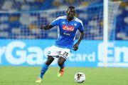 Bek Tengah Napoli Masuk Radar Man United pada Bursa Transfer