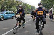 Warganet Heran Setiap Bersepeda Anies Selalu Lepas Tangan