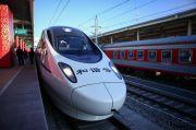 Ngeri, Kereta Tabrak Mati Seketika Sembilan Pekerja di Jalur Rel China