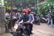 Mesra, Ridwan Kamil Boncengkan AHY Keliling Bandung Naik Motor Gede