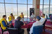 Ridwan Kamil Berbaju Kuning Ketemu Ketum Golkar, Soal 2024?